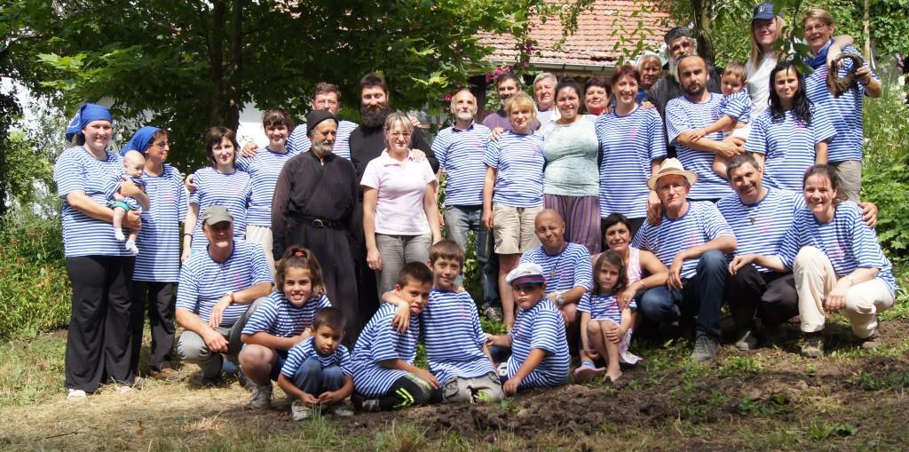 De hele groep van het zomerkamp, St Marina klooster, juli 2014