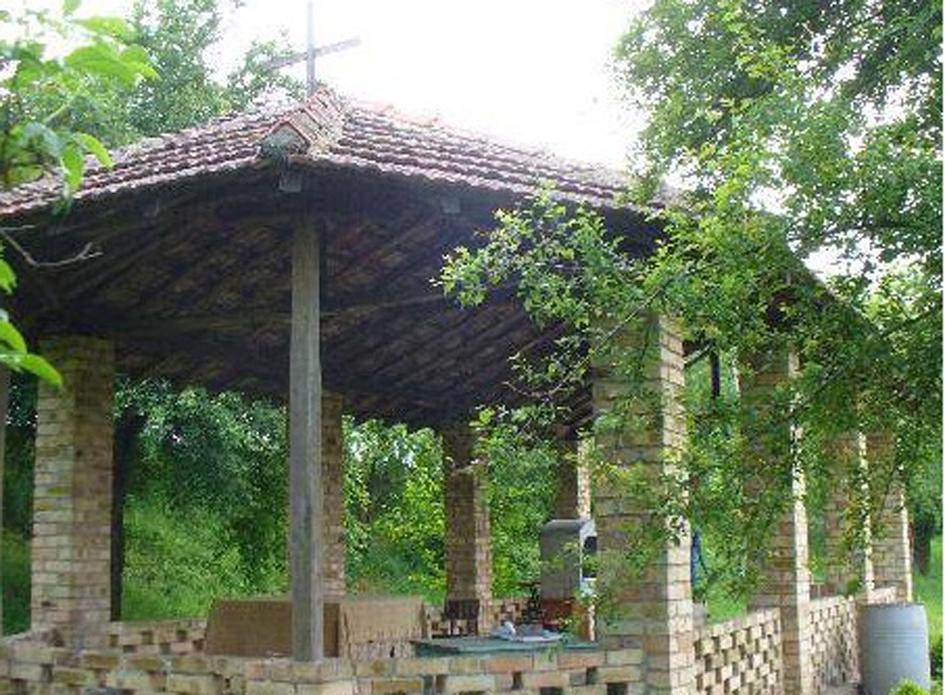 De 'buitenkerk', St Marinaklooster, Syanovo, Bulgarije