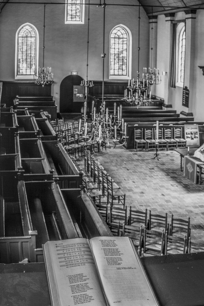 Overzicht interieur, kerk in Dalen